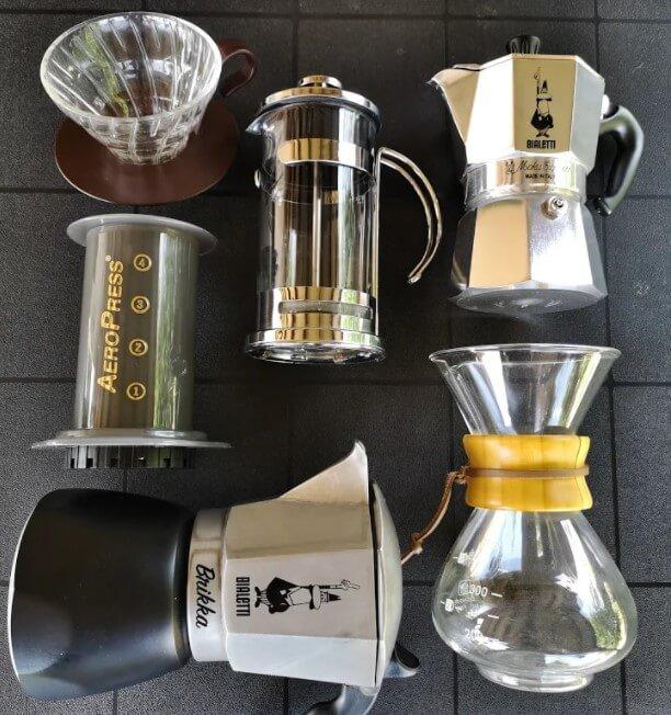 A leggyakoribb kávékészítő eszközök: brikka, kotyogós, V60, Aeropress, Chemex, French Press